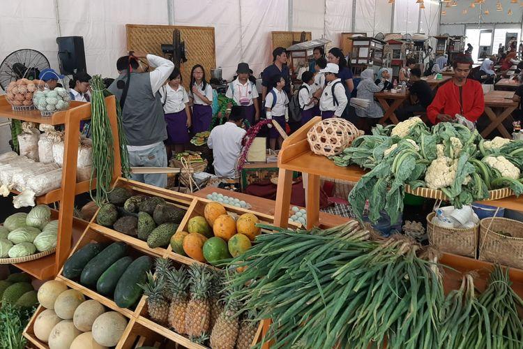 Beraneka jenis buah dan sayur yang menjadi hasil kekayaan alam Indonesia didatangkan pada Pekan Kebudayaan Nasional (PKN) di Kompleks Istora Gelora Bung Karno, Jakarta, dari tanggal 7 sampai 13 Oktober 2019.