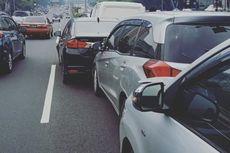 Kecelakaan Beruntun Terjadi di Jalan Tol Cawang-Grogol, 6 Mobil Ringsek