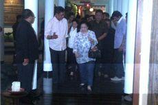 Megawati dan Jokowi Makan di Meja Raja Gula
