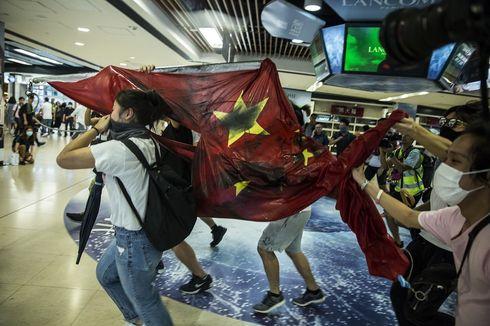 Aksi Demo Hong Kong, Bendera China Diinjak-injak dan Dibuang ke Sungai