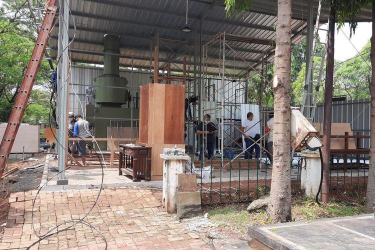 Pembangunan krematorium di Taman Pemakaman Umum (TPU) Tegal Alur, Jakarta Barat