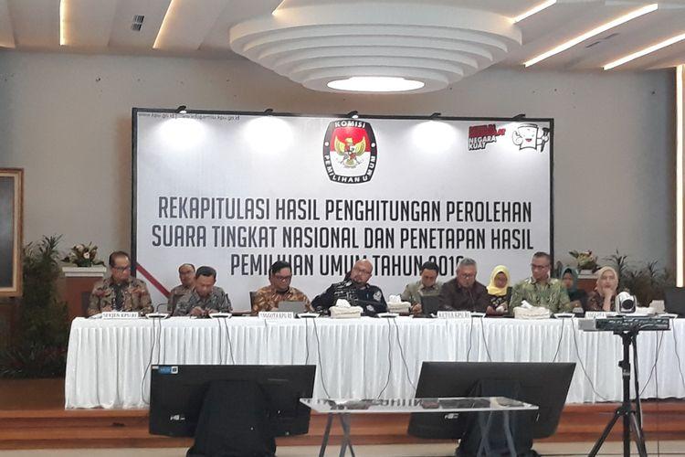 Rapat pleno rekapitulasi hasil penghitungan dan perolehan suara tingkat nasional dalam negeri dan penetapan hasil pemilu 2019 di kantor KPU, Menteng, Jakarta Pusat.