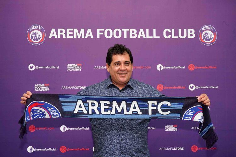 Pelatih baru Arema FC asal Brasil, Carlos Oliveira