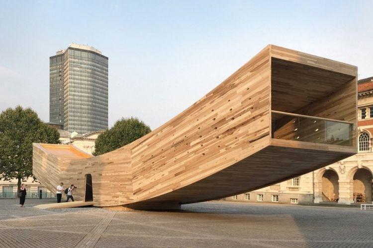 Landmark yang bertajuk The Smile dan di desain oleh Alison Brooks Architects pada tahun 2016 dan berlokasi di London.