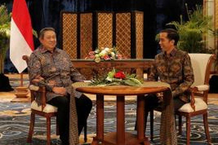 Presiden SBY dan presiden terpilih Joko Widodo melakukan pertemuan empat mata membahas proses transisi kepemimpinan, di Laguna Resort and Spa, Nusa Dua, Bali, Rabu (27/8) malam. (foto: abror/presidenri.go.id)