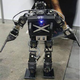 Robot buatan Tim UGM di ajang internasional, Korea Selatan