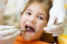 Tumbuh Gigi Bikin Anak Rewel, Atasi dengan 6 Langkah Ini