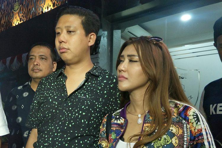 Pablo Benua dan Rey Utami saat ditemui di Dit Reskrimsus Polda Metro Jaya, Jakarta Pusat, Selasa (2/7/2019).