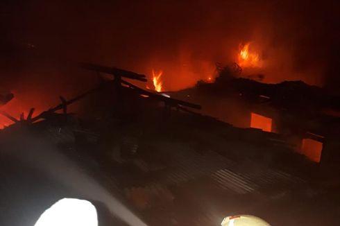 12 Rumah Terbakar di Pulogadung, Kerugian Capai Miliaran Rupiah