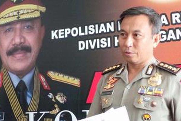 Kepala Bagian Penerangan Umum Polri Komisaris Besar Agus Rianto di Mabes Polri, Jakarta Selatan, Jumat (26/4/2013).