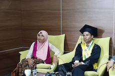 Lulus Cum Laude, Suyoko Jadi Orang Pertama di Kampungnya yang Kuliah di UGM