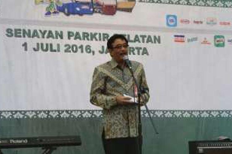 Wakil Gubernur DKI Jakarta Basuki Tjahaja Purnama memberi sambutan dalam acara mudik gratis di Parkir Timur Senayan, Jumat (1/7/2016).