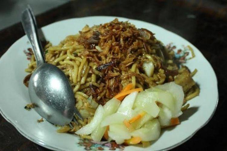 Bakmi Goreng Jawa, rasanya tidak terlalu manis dengan tekstur mi yang lembut.