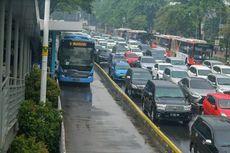 Penumpang Transjakarta Ditusuk di Halte BKN Cawang
