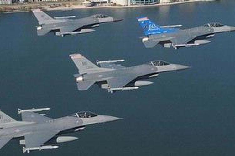 Ilustrasi. Pesawat-pesawat tempur F-16 Fighting Falcon dari Garda Nasional Udara AS.