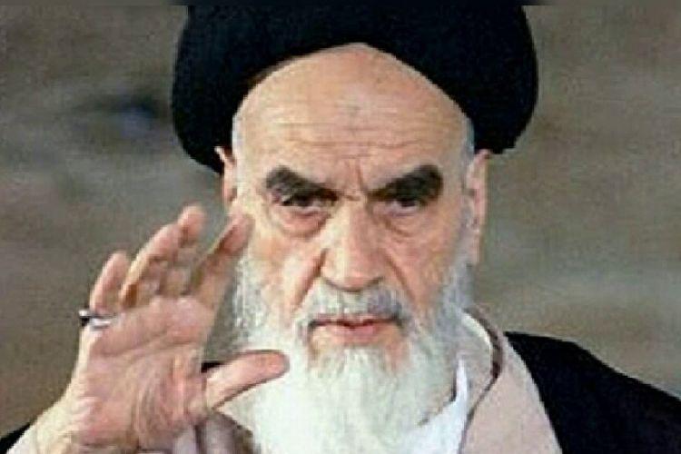 Mendiang Pemimpin Tertinggi Iran, Ruhollah Khomeini.