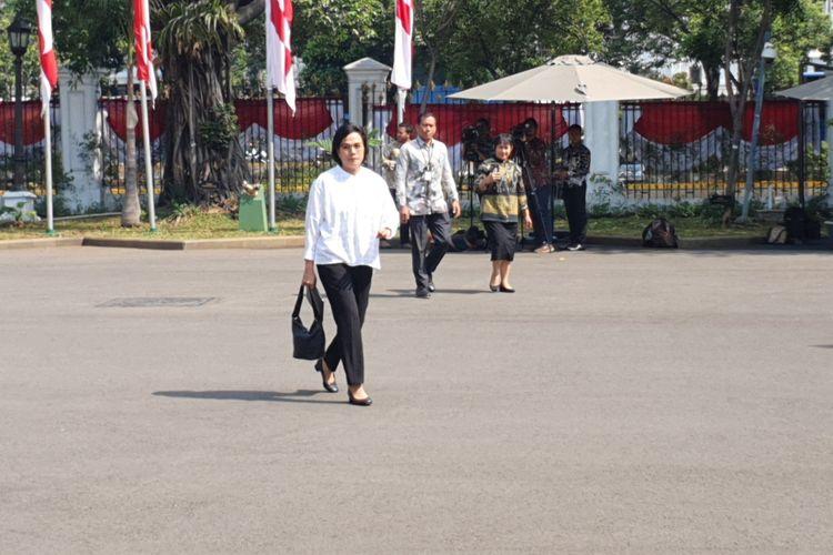 Menteri Keuangan Sri Mulyani usai bertemu Presiden Jokowi di Istana Merdeka, Jakarta, Selasa (22/10/2019).