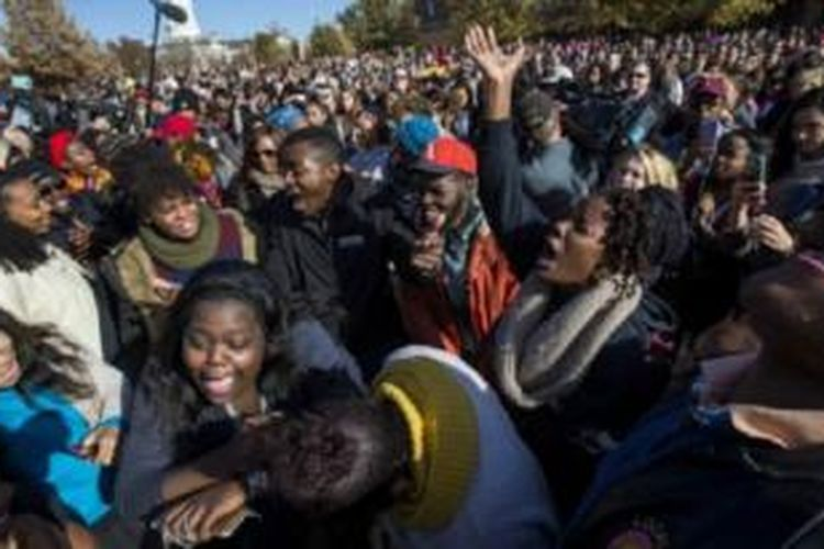 Protes mahasiswa kulit hitam di Universitas Missouri, terkait ancaman pembunuhan.