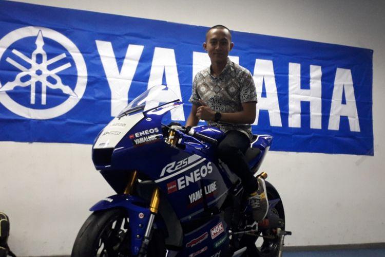 M Faerozi Torequttallah, pebalap Yamaha Indonesia saat ditemui di sela acara peluncuran tim balap Yamaha untuk kompetisi tahun 2019, di Jakarta, Jumat (1/3/2019). Faerozi akan diturunkan di kelas 250 ajang Asia Road Racing Championship (ARRC).