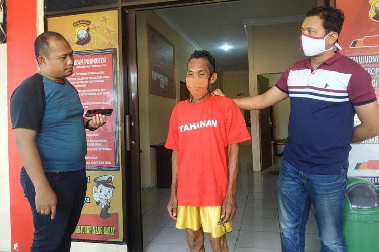 Jajaran Polsek  Tanjungpinang Barat Polres Tanjungpinang berhasil meringkus pelaku inisial Sa (68) yang diduga melakukan pelecehan seksual dan pencabulan terhadap anak bawah umur.