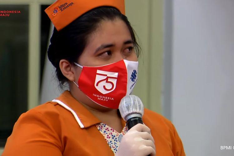 Evisonia Simbolon, seorang perawat di Rumah Sakit Mitra Keluarga Kelapa Gading menangis di hadapan Presiden Joko Widodo. Ia curhat soal gajinya yang  dipotong selama pandemi virus corona Covid-19.   Peristiwa itu terjadi saat Presiden Joko Widodo meresmikan program bantuan subsidi upah di Istana Kepresidenan, Jakarta, Kamis (27/8/2020).