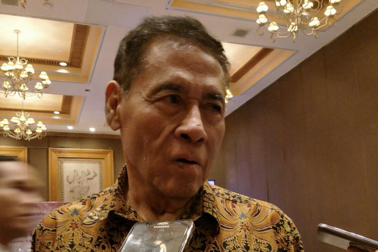 PerumusRancangan Kitab Undang-undang Hukum Pidana (RKUHP) Muladi, ketika ditemui di hotel Aryaduta, Jakarta, Selasa (19/12/2017).