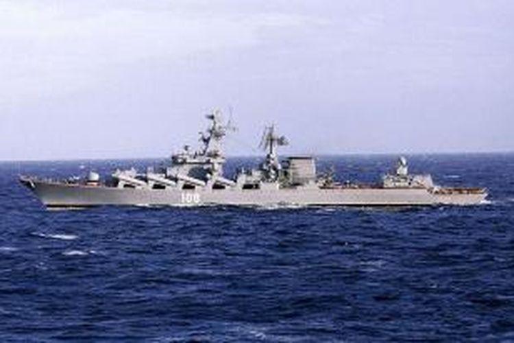 Foto ini menampilkan salah satu kapal penjelajah kelas Slava milik Angkatan Laut Rusia. Memanasnya situasi di Suriah membuat Rusia berencana mengirimkan dua kapal perangnya ke Laut Tengah, dekat wilayah Suriah.