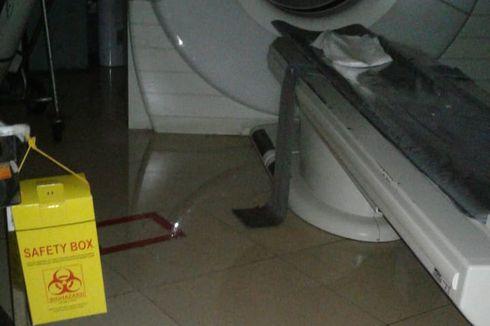 Banjir Masuk ke Dalam Gedung RSCM, Sejumlah Alat Medis Terendam