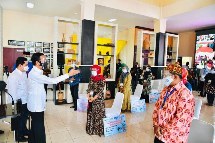 FOTO DOK, Laily Rachev - Biro Pers Sekretariat Presiden.Presiden Joko Widodo meminta Forkopimda  Aceh untuk memperketat penerapan protokol kesehatan sehingga jumlah kasus positif covi 19 di aceh dapat ditekan, karena saat ini menurut Presiden jumlah kasus di Aceh masih sedikit dibandingkan dengan Provinsi lain di Indonesia.