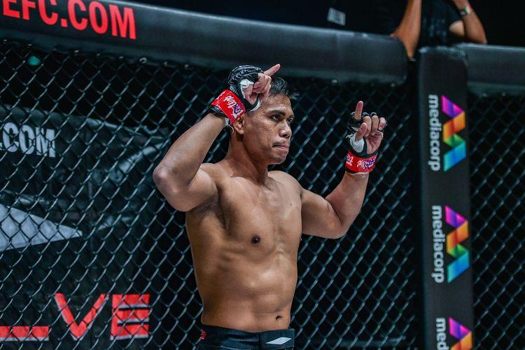 Petarung Indonesia, Eko Roni Saputra, saat tampil di event terbaru ONE Championship bertajuk ONE: Reign of Dynasties, Jumat (9/10/2020) malam WIB.