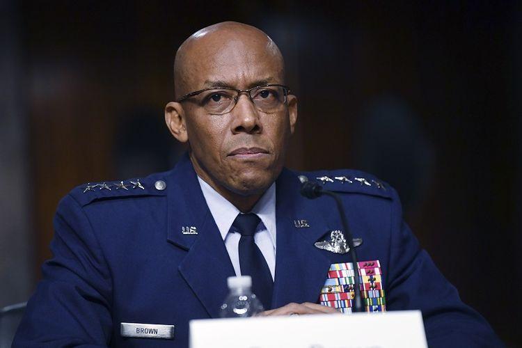 Dalam foto bertanggal 7 Mei 2020, nampak Jenderal Charles CQBrown dinominasikan sebagai Kepala Staf Angkatan Udara (KSAU) Amerika Serikat oleh Presiden Donald Trump. Penunjukkan Brown terkonfirmasi melalui sidang Senat pada Selasa (9/6/2020).