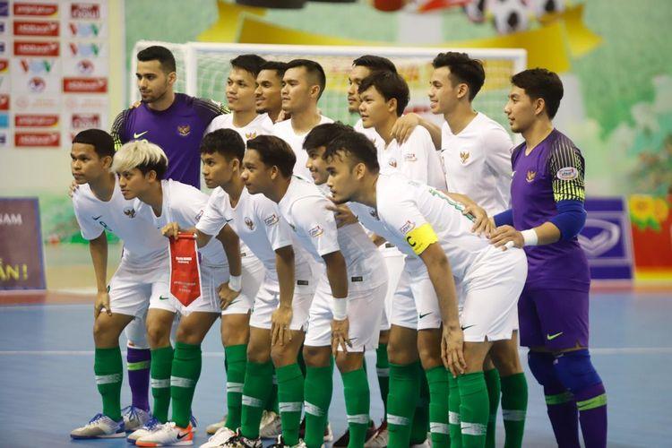 Timnas futsal Indonesia belum sanggup naik ke puncak klasemen Grup B Piala AFF Futsal 2019 setelah ditahan imbang tuan rumah Vietnam di di Phu Tho Indoor Stadium, Ho Chi Minh, Selasa (22/10/2019).