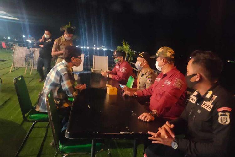 Satpol PP Makassar mendatangi tempat hiburan yang akan menyelenggaran event.
