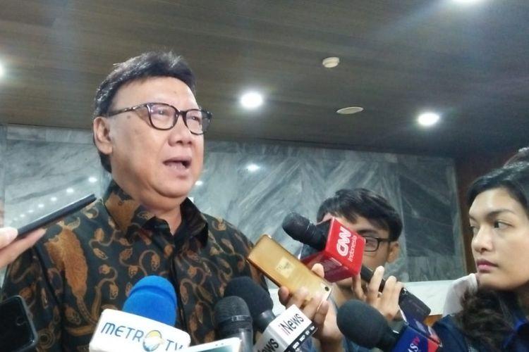 Menteri Dalam Negeri Tjahjo Kumolo saat ditemui di Kompleks Parlemen, Senayan, Jakarta, Kamis (6/12/2018).