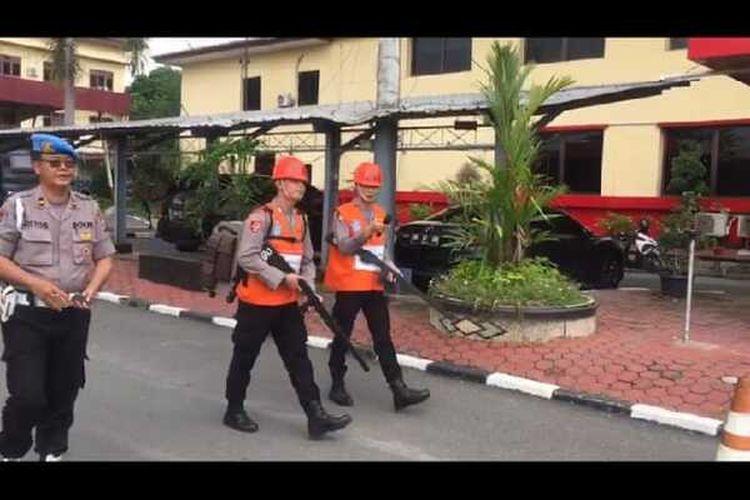 Gunakan Sabu dan Rekam Polwan Saat Mandi, 2 Oknum Polisi Diarak Keliling Polda Sumut