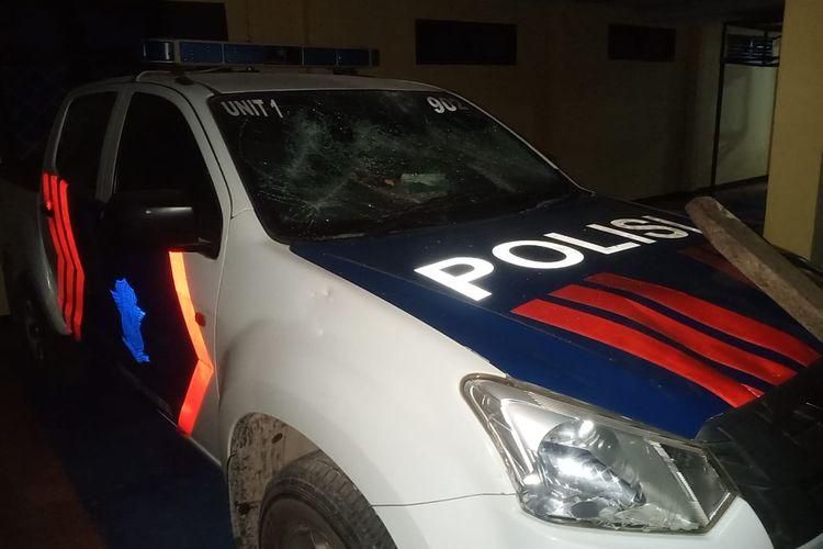 Mobil patroli Satlantas Polres Buton Utara yang dirusak sekelompok orang tak dikenal pada Jumat (23/10/2020).