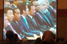 Jokowi Duduk Diapit Xi Jinping dan Shinzo Abe