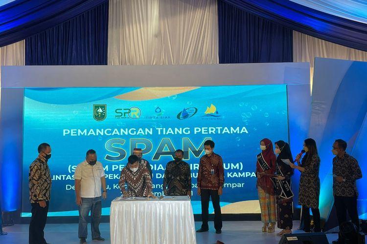 Acara pemancangan tiang pertama SPAM Lintas Kota Pekanbaru dan Kabupaten Kampar, Senin (21/09/2021).