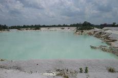 Bukan Kawah Putih Bandung, Ini Danau Kaolin di Belitung