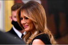 Anggunnya Melania Trump Tampil dengan Gaun Hitam dan Sepatu Hak Tinggi