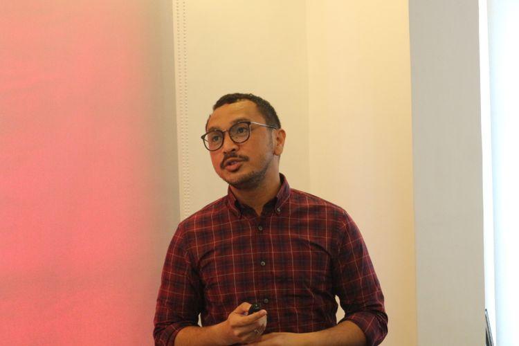 Vokalis band Nidji Giring Ganesha mendaftar sebagai bakal calon anggota legislatif, Dewan Perwakilan Rakyat (DPR) RI dari Partai Solidaritas Indonesia (PSI). Hari ini, Giring pun menjalani seleksi terbuka bakal caleg PSI oleh panelis independen di kantor DPP PSI, Jakarta, Minggu (5/11/2017).