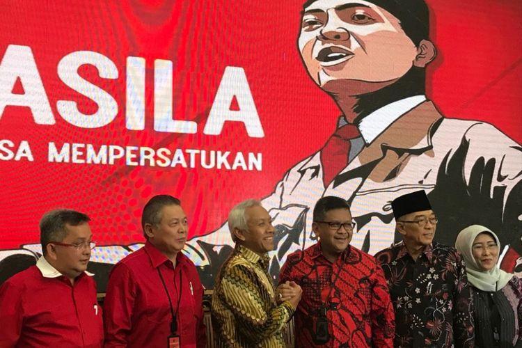 Wakil Ketua Dewan Pembina Partai Demokrat Agus Hermanto, Jumat (13/7/2018) siang, bertemu Sekretaris Jenderal PDI Perjuangan Hasto Kristiyanto di Kantor DPP PDI Perjuangan Jalan Diponegoro, Menteng, Jakarta Pusat.