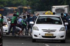 Polisi Tangkap 83 Orang dalam Demonstrasi Taksi di Jakarta