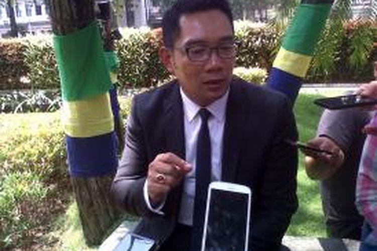 Wali Kota Baandung Ridwan Kamil saat memberikan keterangan kepada media di Balai Kota Bandung, Jalan Wastukencana, Kamis (12/11/2015)