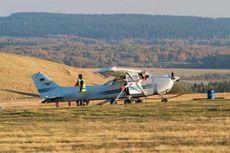 Pesawat Terbang Ringan Gagal Mendarat Tabrak Warga, Tiga Orang Tewas