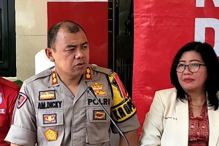 Kapolres Bogor AKBP AM Dicky saat konferensi pers kasus wanita masuk masjid di Bogor dengan membawa anjing di RS Polri Kramat Jati, Jakarta Timur, Rabu (3/7/2019).