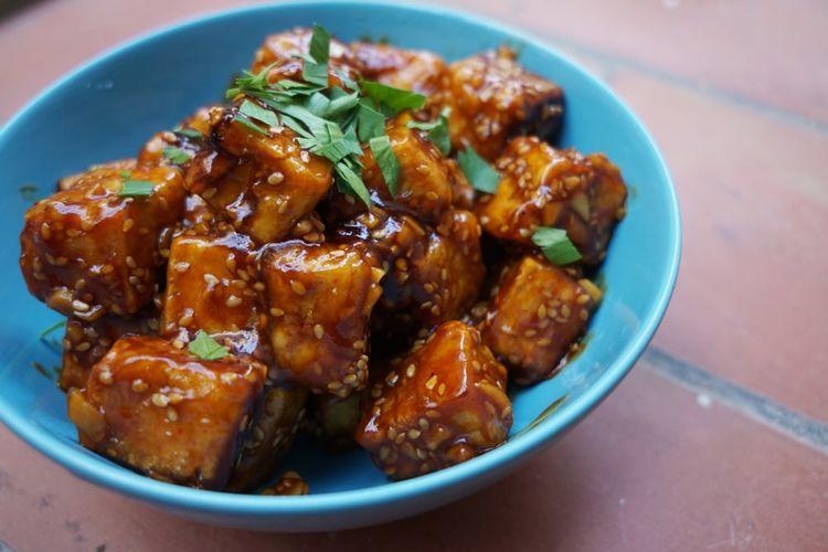 Ilustrasi oseng tofu.