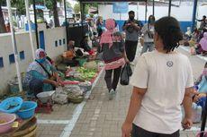 Lapak PKL di Tangerang Terapkan Physical Distancing, Ada Cat Penanda Batas Antrean