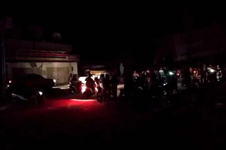 Warga di pesisir Kabupaten Lebak dan Pandeglang mengungsi pasca gempa Magnitudo 7,4 mengguncang, Jumat (2/8/2019).