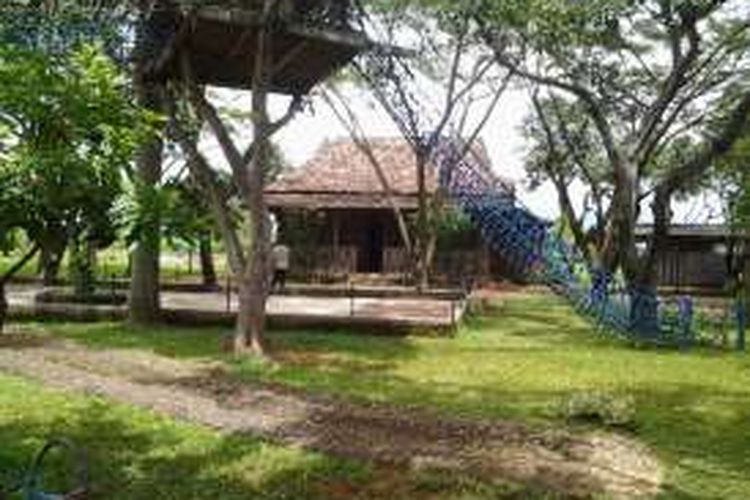 Rumah khas Kendal di Tirto Arum Baru Kendal.